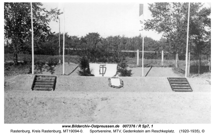Rastenburg, Sportvereine, MTV, Gedenkstein am Reschkeplatz