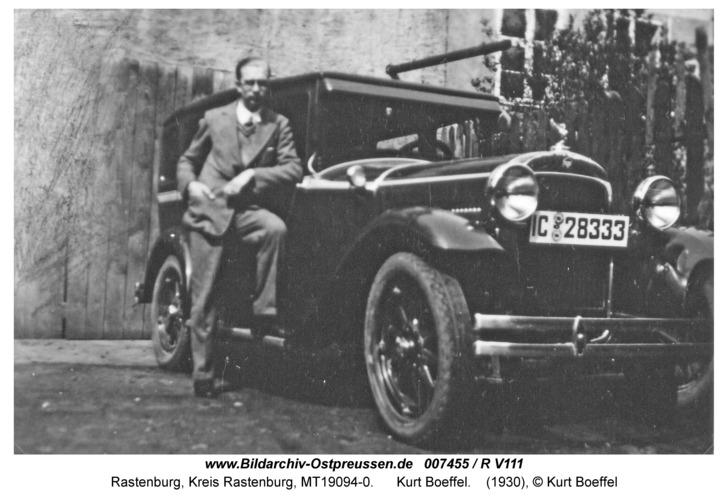 """Rastenburg, Neuer Markt, Kurt Boeffel mit Auto Marke """"Essex Super Six"""""""