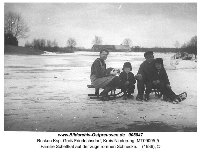 Ruckenfeld, Familie Schettkat auf der zugefrorenen Schnecke