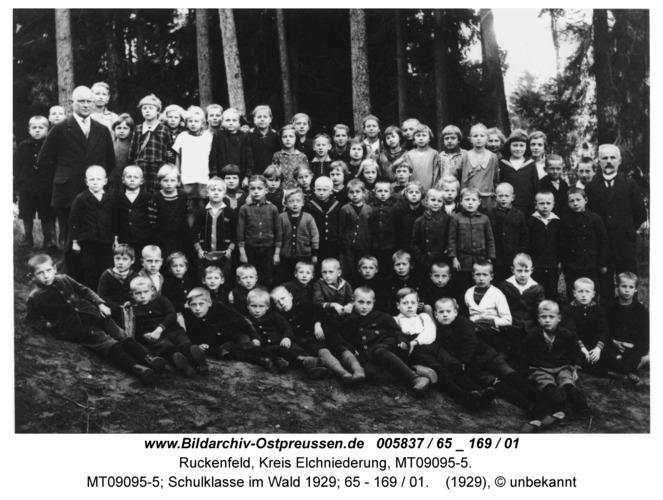Ruckenfeld, MT09095-5; Schulklasse im Wald 1929; 65 - 169 / 01