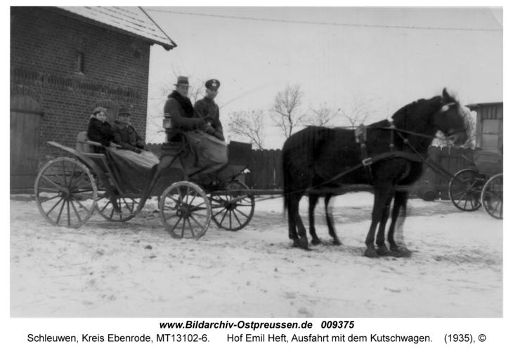 Schleuwen, Hof Emil Heft, Ausfahrt mit dem Kutschwagen