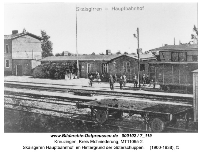 Skaisgirren, Hauptbahnhof im Hintergrund der Güterschuppen