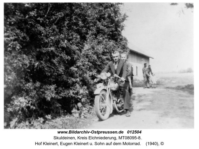 Skuldeinen, Hof Kleinert, Eugen Kleinert u. Sohn auf dem Motorrad