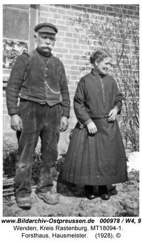Wenden, Forsthaus, Hausmeister mit Frau