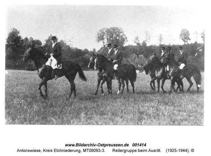 Antonswiese, Reitergruppe beim Ausritt