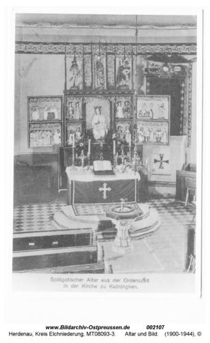 Herdenau, Kirche, Blick auf Taufbecken, Altar und Bild
