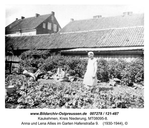 Kuckerneese. Gertrud, Anna und Lena Allies im Garten Hafenstraße 9