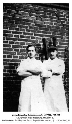 Kuckerneese. Paul Bey und Bruno Beyer im Hof von Schlachter Pfeiffer. Hohe Straße 1