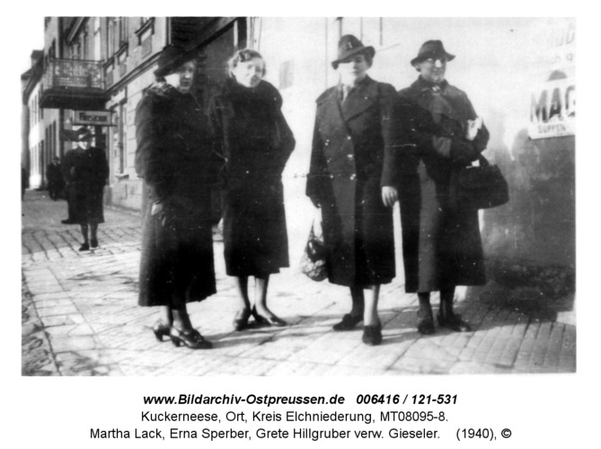 Kuckerneese. Am Markt. Emmi Greifenberger, Martha Lack, Erna Sperber, Grete Hillgruber verw. Gieseler