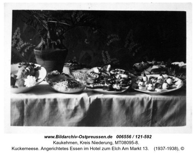 Kuckerneese. Angerichtetes Essen im Hotel zum Elch Am Markt 13