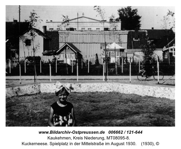 Kuckerneese. Spielplatz in der Mittelstraße im August 1930