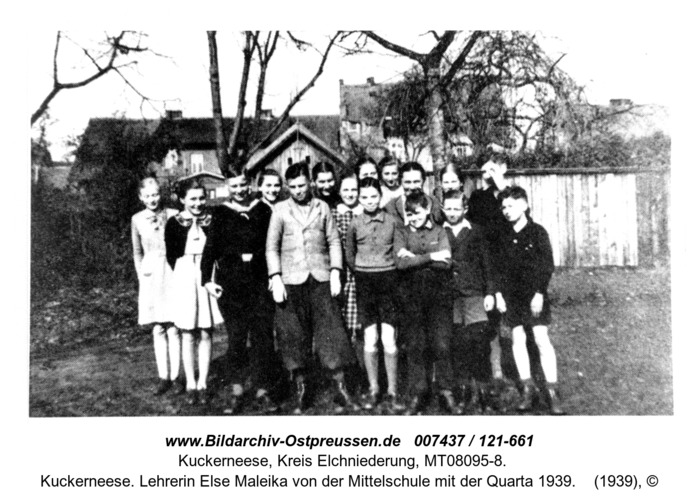 Kuckerneese. Lehrerin Else Maleika von der Mittelschule mit der Quarta 1939