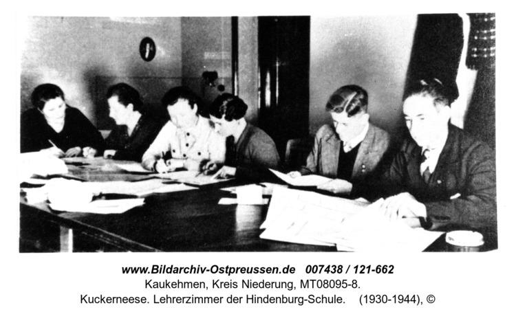 Kuckerneese. Lehrerzimmer der Hindenburg-Schule