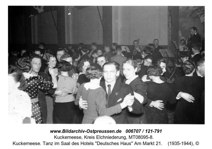 """Kuckerneese. Tanz im Saal des Hotels """"Deutsches Haus"""" Am Markt 21"""