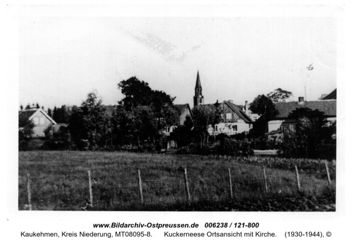 Kuckerneese Ortsansicht mit Kirche
