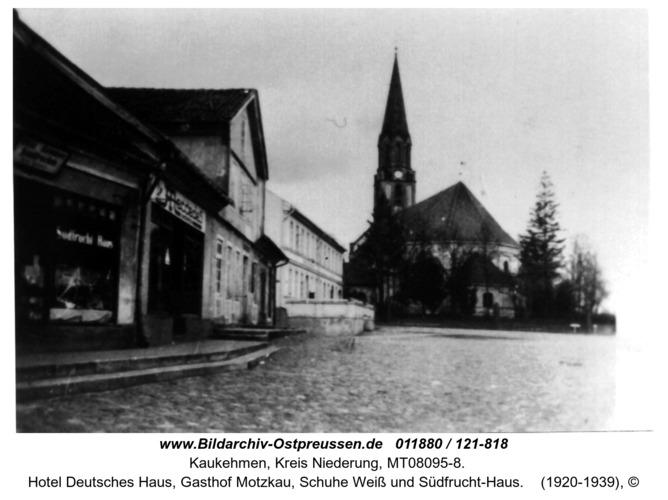 Kuckerneese. Am Markt mit Kirche, Hotel Deutsches Haus, Gasthof Motzkau, Schuhe Weiß und Südfrucht-Haus