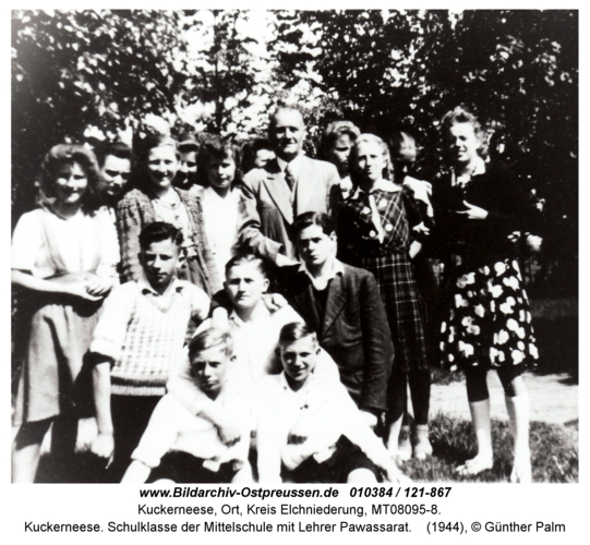 Kuckerneese. Schulklasse der Mittelschule mit Lehrer Pawassarat