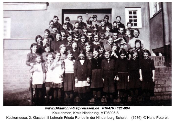 Kuckerneese. 2. Klasse mit Lehrerin Frieda Rohde in der Hindenburg-Schule