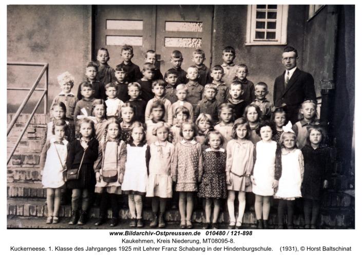 Kuckerneese. 1. Klasse des Jahrganges 1925 mit Lehrer Franz Schabang in der Hindenburgschule