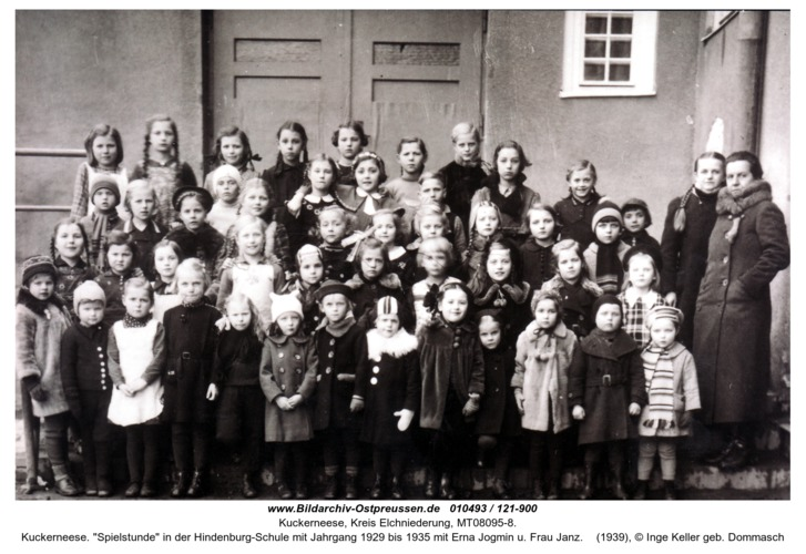 """Kuckerneese. """"Spielstunde"""" in der Hindenburg-Schule mit Jahrgang 1929 bis 1935 mit Erna Jogmin u. Frau Janz"""