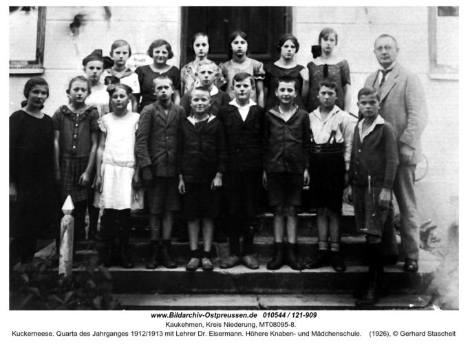 Kuckerneese. Quarta des Jahrganges 1912/1913 mit Lehrer Dr. Eisermann. Höhere Knaben- und Mädchenschule