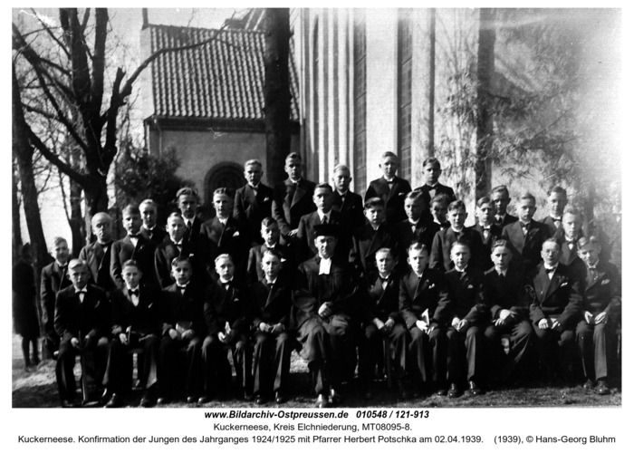Kuckerneese. Konfirmation der Jungen des Jahrganges 1924/1925 mit Pfarrer Herbert Potschka am 02.04.1939