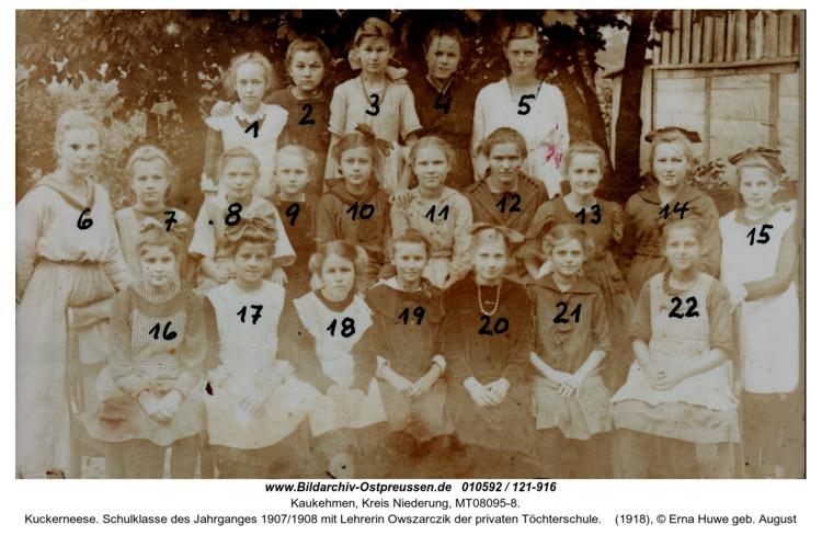Kuckerneese. Schulklasse des Jahrganges 1907/1908 mit Lehrerin Owszarczik der privaten Töchterschule