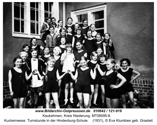 Kuckerneese. Turnstunde in der Hindenburg-Schule