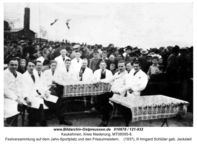 Kuckerneese, Festversammlung auf dem Jahn-Sportplatz und den Friseurmeistern