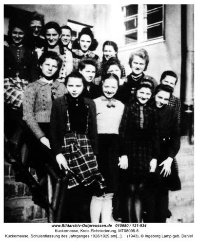 Kuckerneese. Schulentlassung des Jahrganges 1928/1929 am 27. März 1943. Hindenburg-Schule