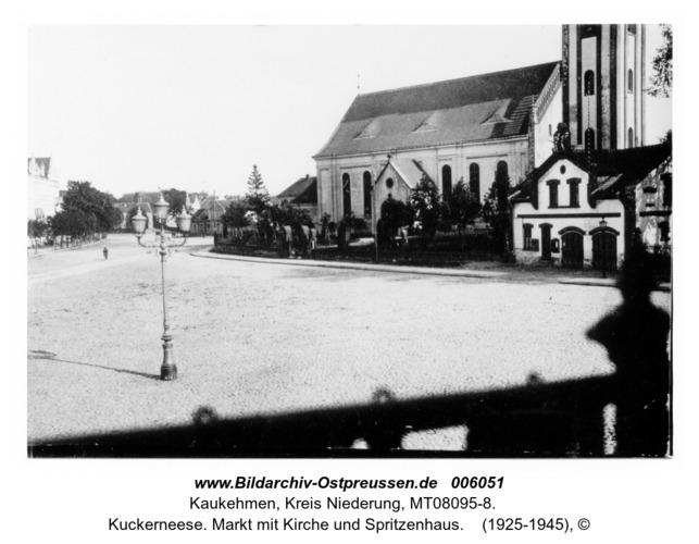Kuckerneese. Markt mit Kirche und Spritzenhaus