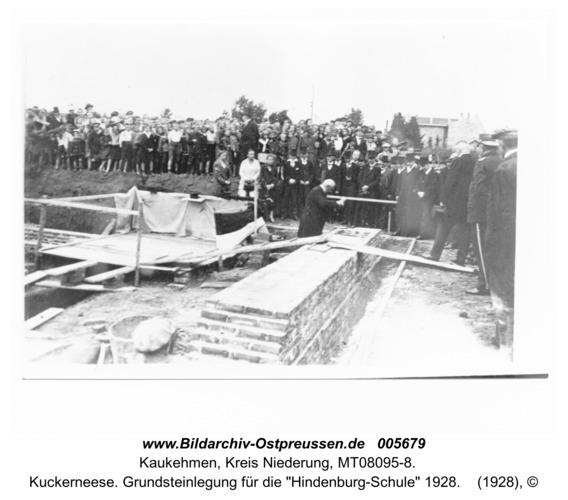 """Kuckerneese. Grundsteinlegung für die """"Hindenburg-Schule"""" 1928"""