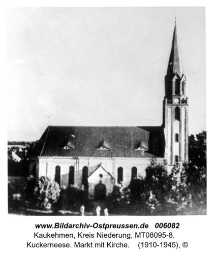 Kuckerneese. Markt mit Kirche