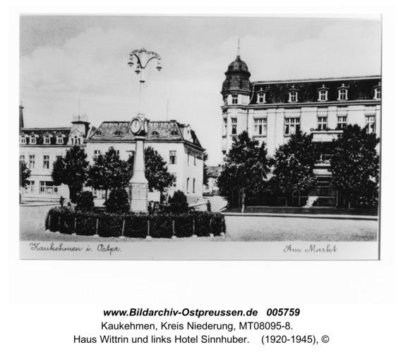 Kuckerneese. Am Markt mit Kandelaber, Haus Wittrin und links Hotel Sinnhuber