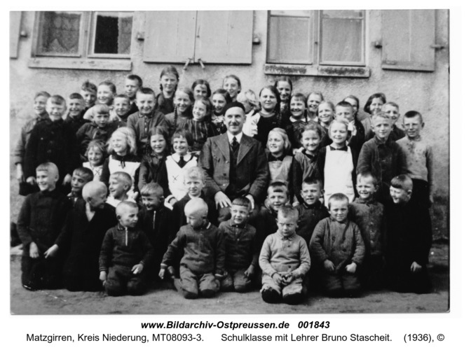 Kurrenberg, Schulklasse mit Lehrer Bruno Stascheit