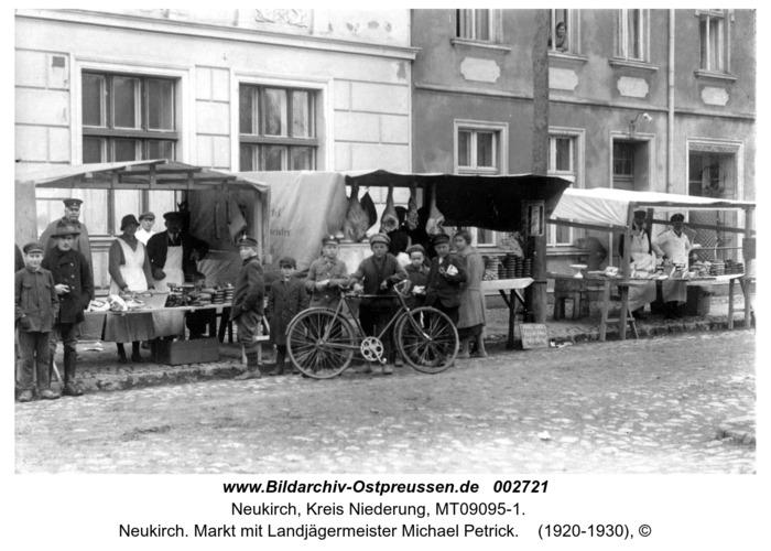 Neukirch. Markt mit Landjägermeister Michael Petrick