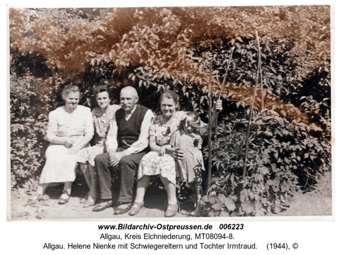 Allgau. Helene Nienke mit Schwiegereltern und Tochter Irmtraud
